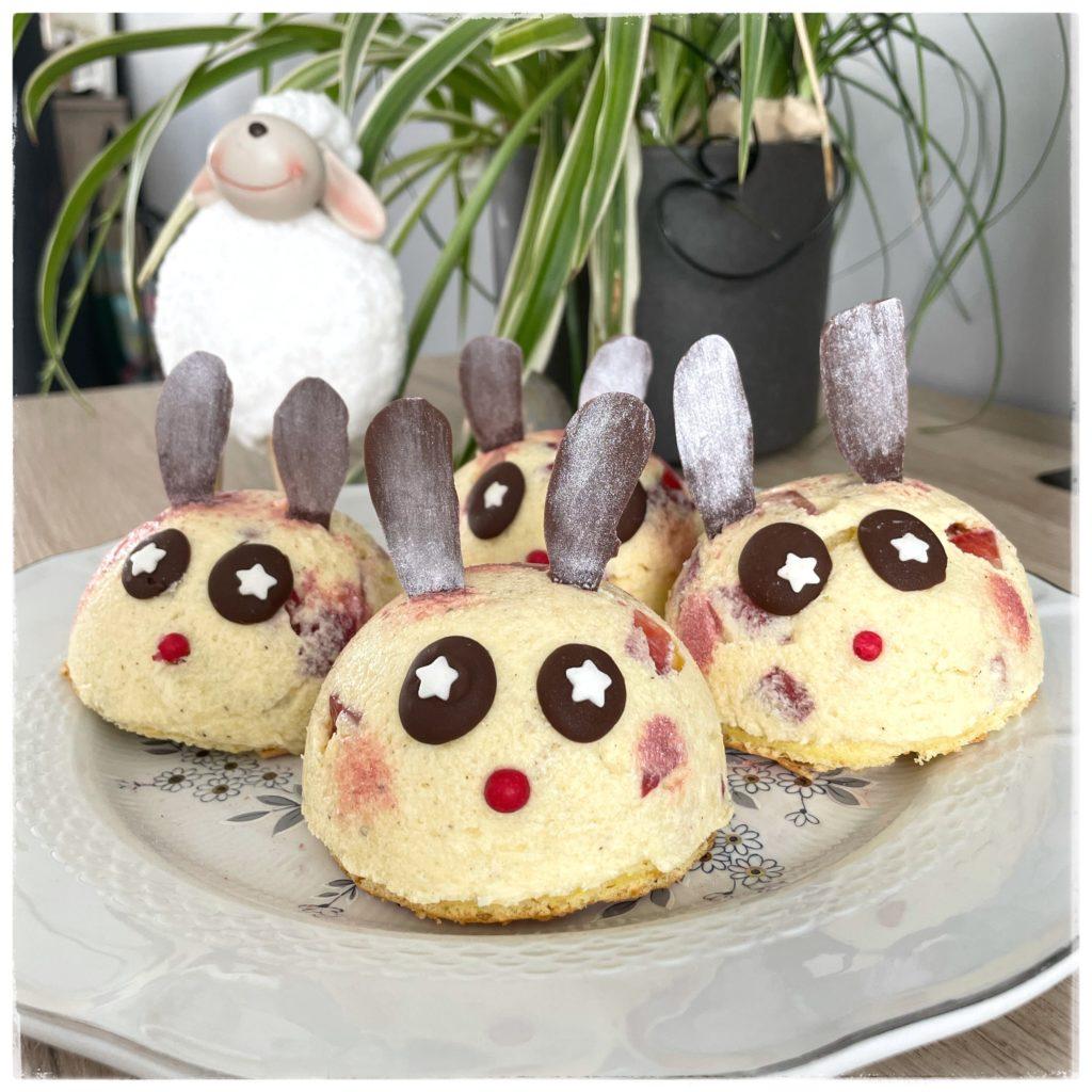 Assiette de mini fraisiers en forme de lapins