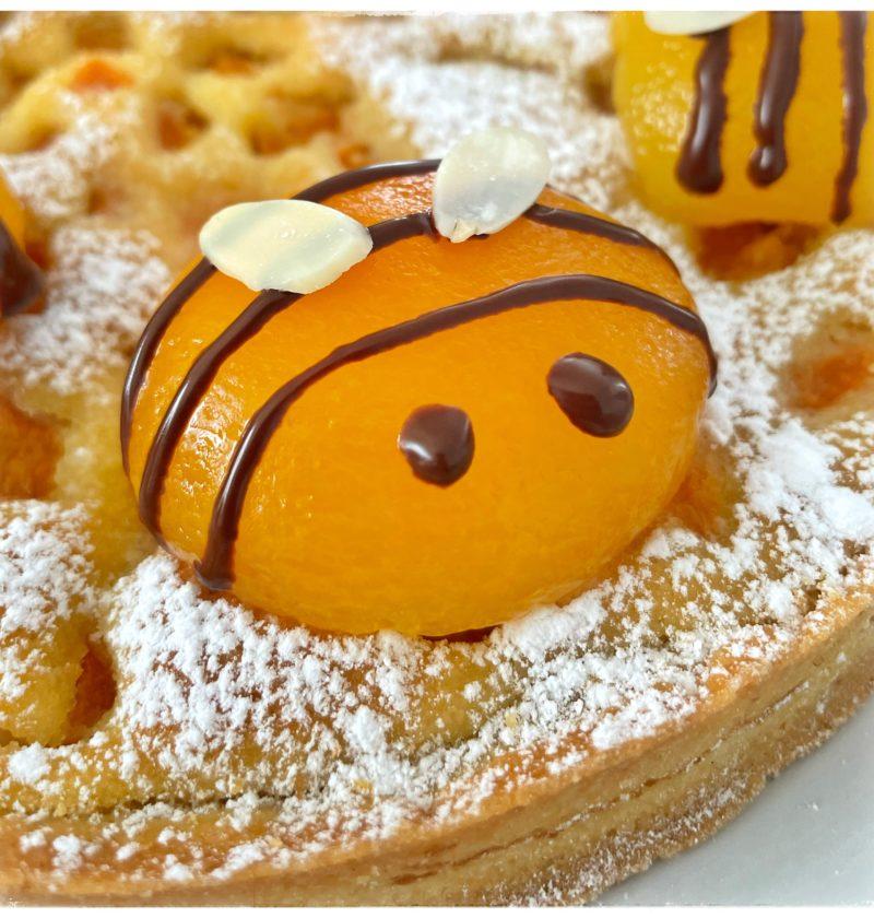 Zoom abricot abeille
